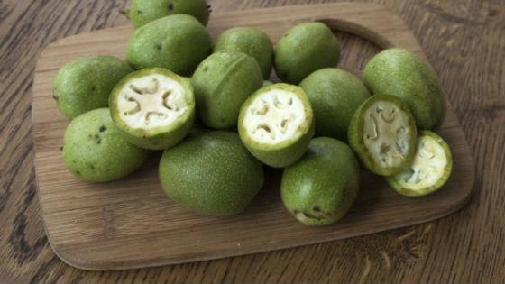 Nezralý ořech čistí nádoby cholesterolu